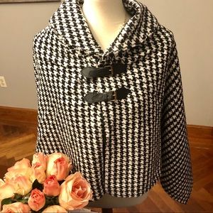 NWT black houndstooth shawl/ sweater/cape